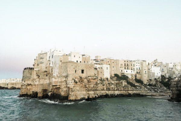 Jak zorganizować wyjazd do Apulii – praktyczne wskazówki